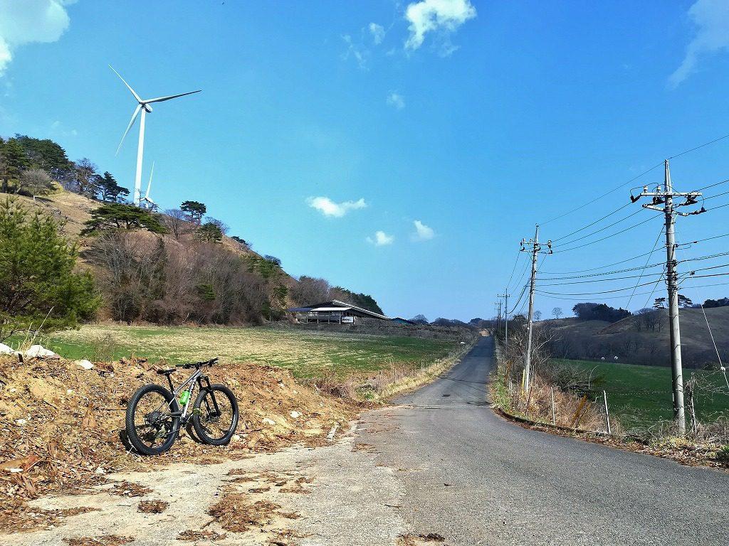 牧場とマウンテンバイク