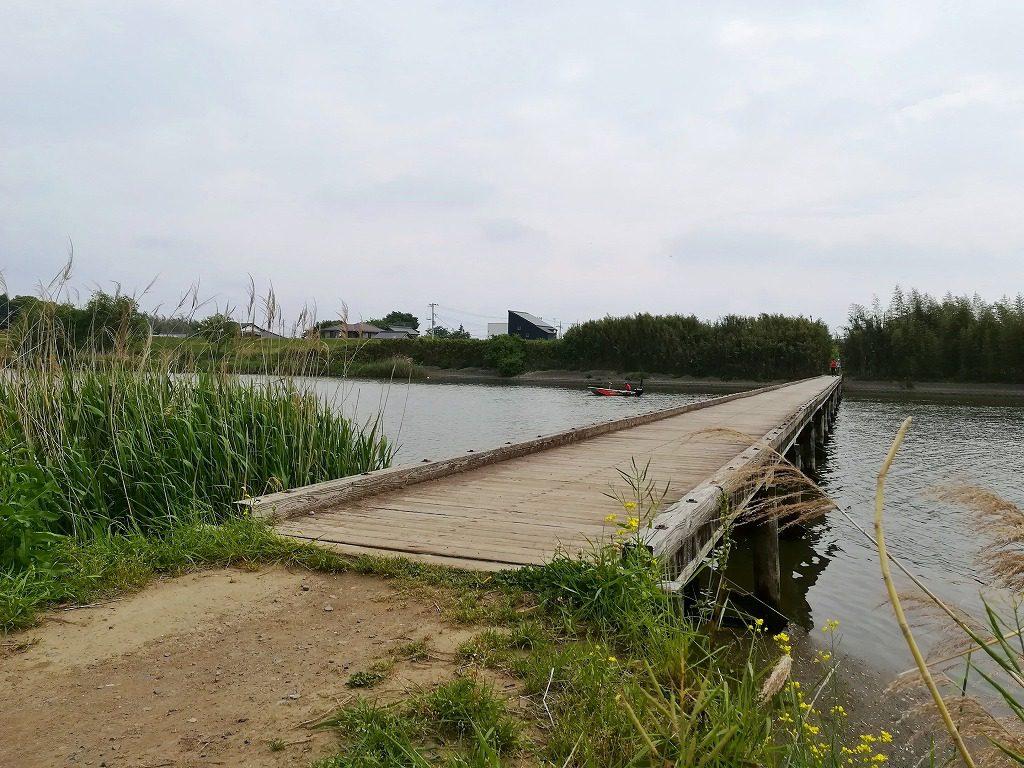 小貝川の沈下橋の小目沼橋
