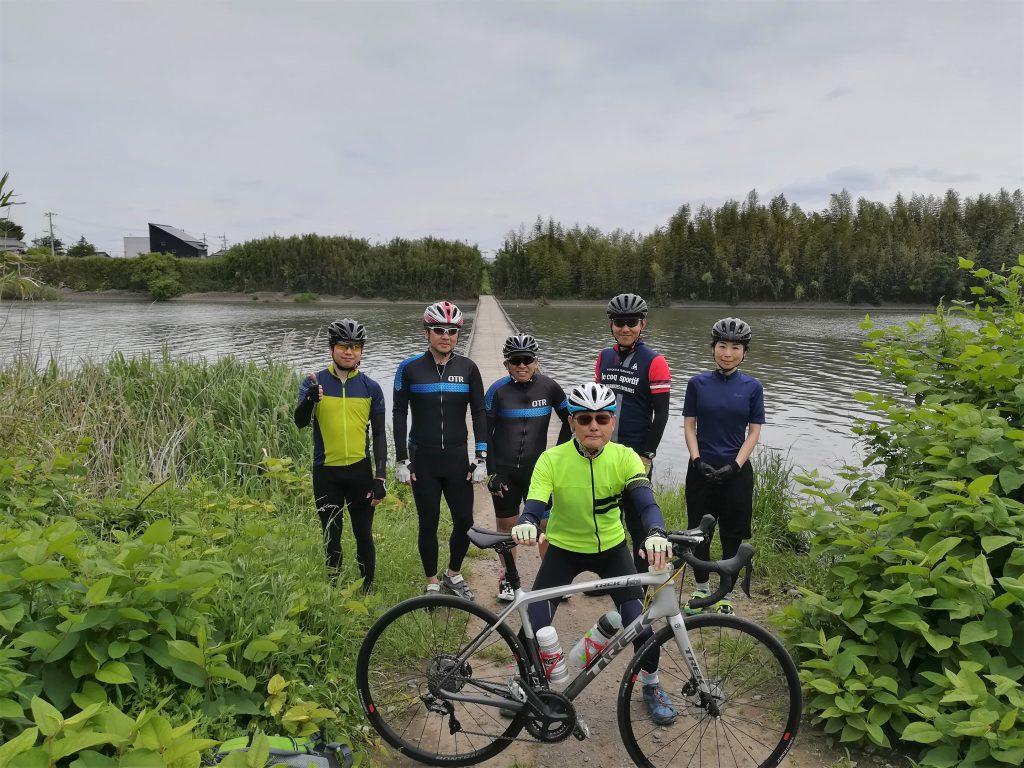 小目沼橋と自転車