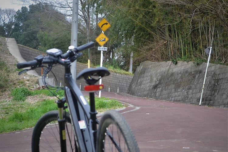 坂道とEバイク